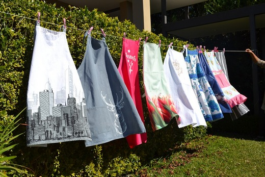 ../images/Aprons-drying.jpg