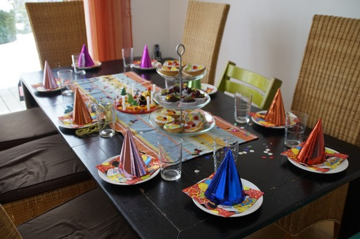../images/Childrens-birthday-table.jpg