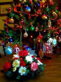 ../images/Christmas-tree-decorations-200.jpg