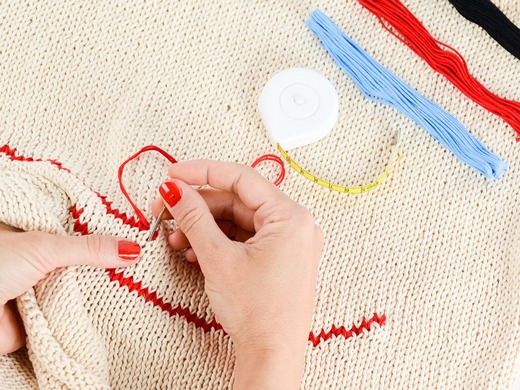 ../images/Handcrafting-embroidery.jpg