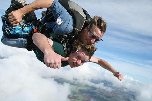 ../images/Skydiving-adventure.jpg