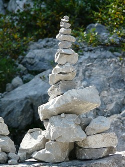 ../images/Stacking-rocks-250.jpg